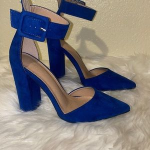 POINTED TOE FLOCK SQUARE BUCKLE ANKLE HEELS